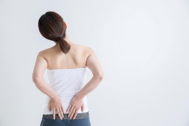 神奈川で評判の「プラスムーブ」の講座を受講してみませんか?プラスムーブは、セルフケアの姿勢運動です。身体の歪みや歪みによる不調でお悩み際は、一度どうぞお試しください。正しい姿勢で過ごすイメージ画像